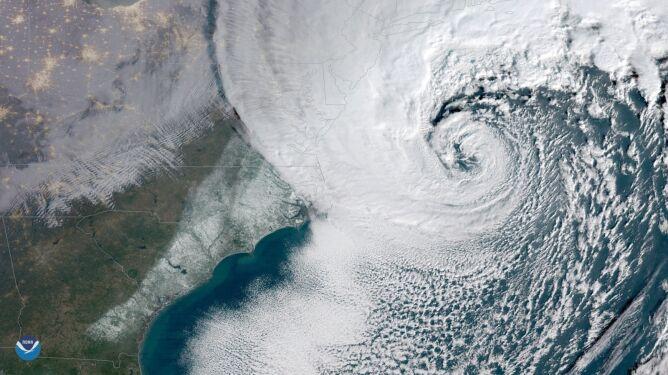 Wir nad wschodnim wybrzeżu USA (NOAA)